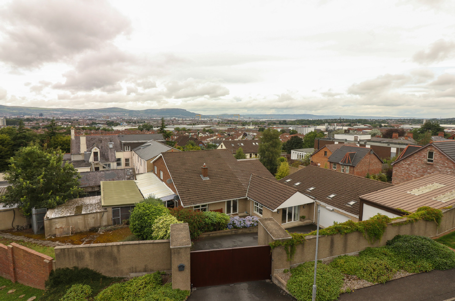 130 Upper Knockbreda Road, Castlereagh, Belfast, Co. Antrim, BT6 9QB photo